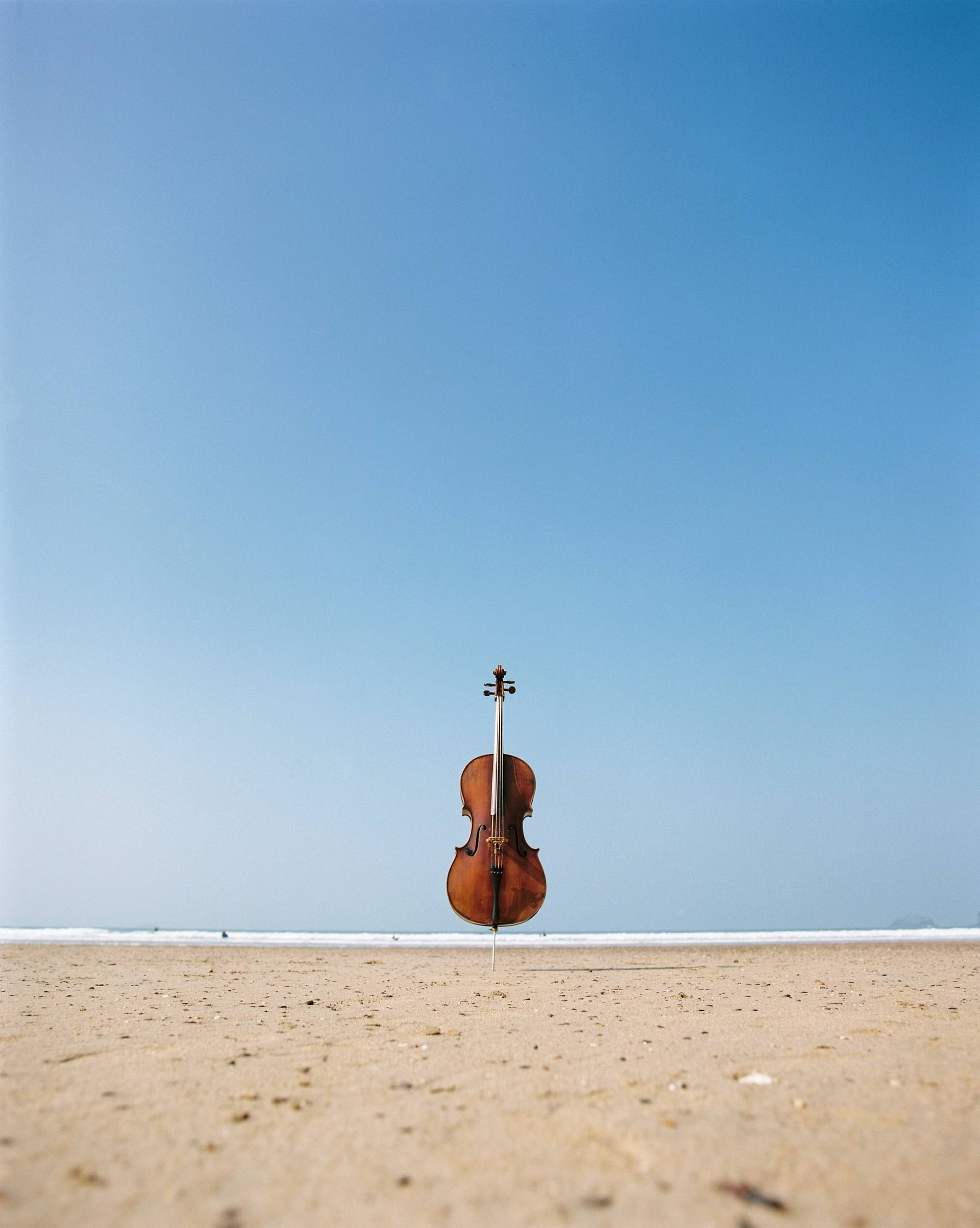 Wedding Cellist Jay Emme cello on the beach in Cornwall